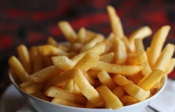 הקשר בין תזונה בטיגון עמוק לבין תחלואה ותמותה